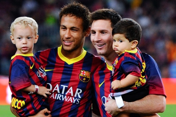 Neymar: It is an honor to play side by side with the genius Messi