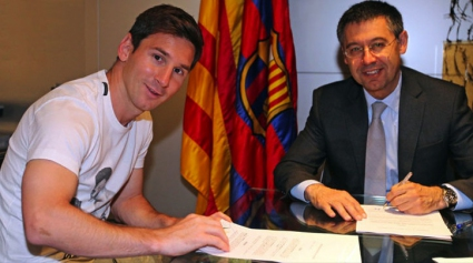 Messi officially signed a new contract with Barca
